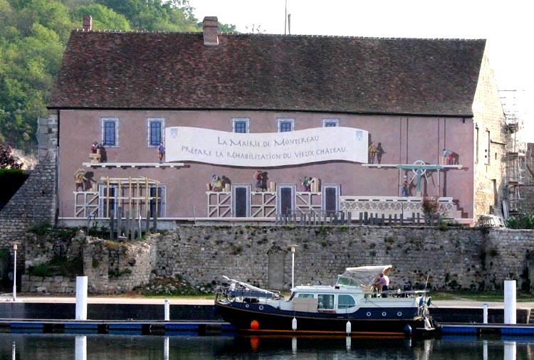 Le vieux château à Montereau (la ville d'Yves Jégo) abandonné par ... VieuxChateau1